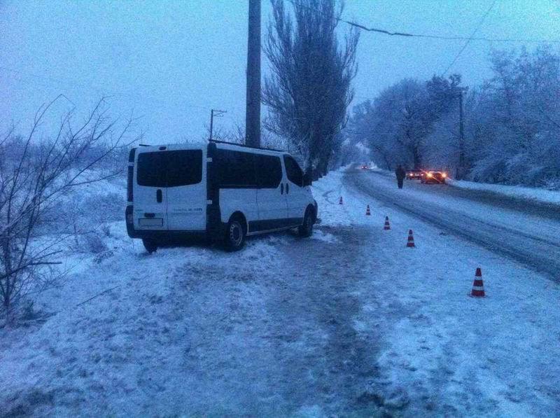 ВСлавянске автобус врезался встолб, семеро пострадавших