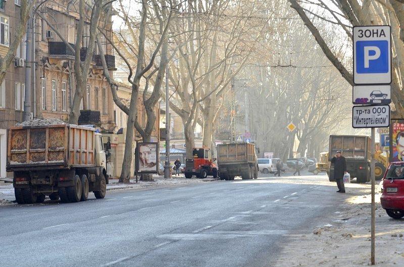 В центре Одессы огромная пробка из-за перекрытия улицы для уборки снега (ФОТО), фото-4