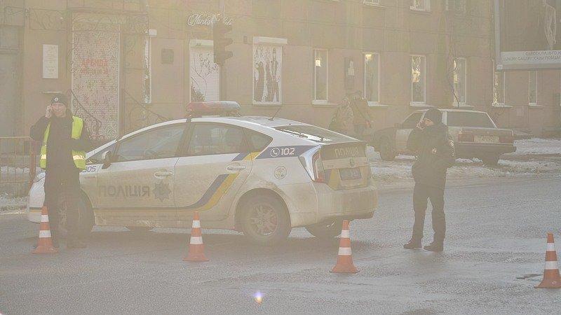 В центре Одессы огромная пробка из-за перекрытия улицы для уборки снега (ФОТО), фото-1