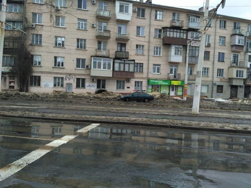 В Одессе на улицах выросли горы пемзы (ФОТО), фото-4