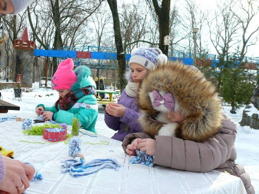 В парке мастерили зимний декор, фото-7
