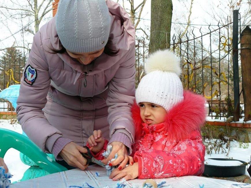 В парке мастерили зимний декор, фото-3