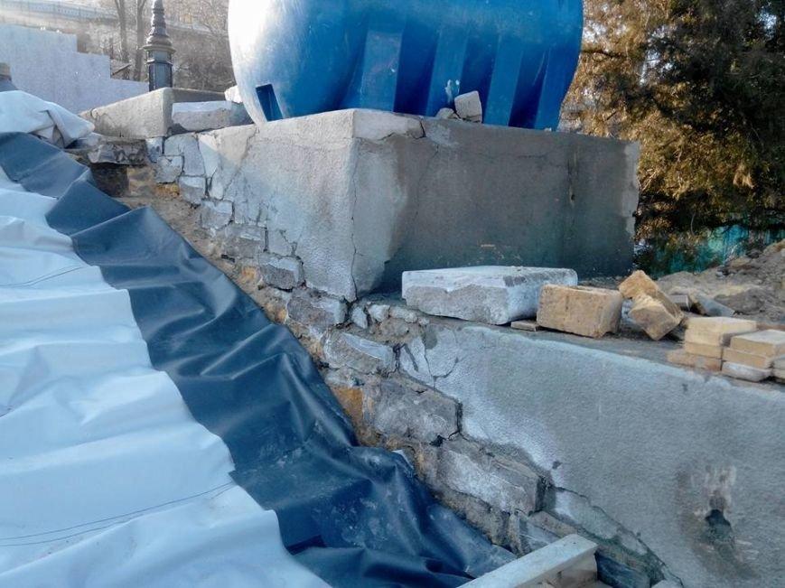 Как уничтожается Потемкинская лестница в Одессе: Шокирующие фото (ФОТО), фото-12