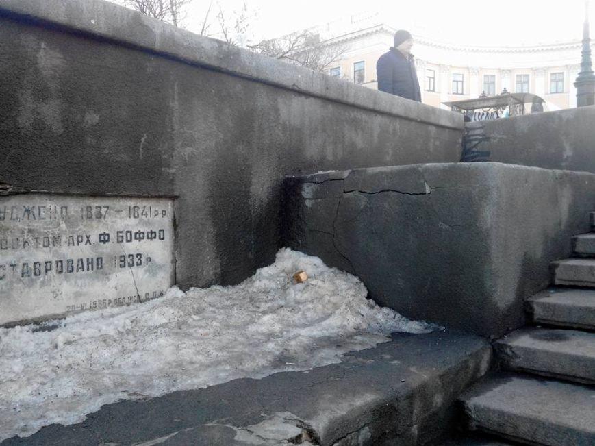 Как уничтожается Потемкинская лестница в Одессе: Шокирующие фото (ФОТО), фото-10