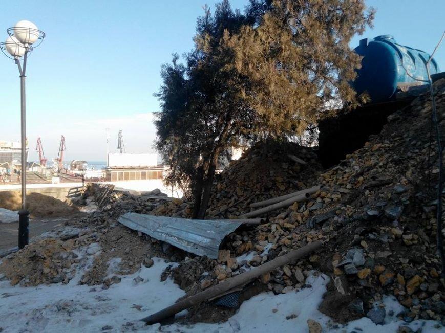 Как уничтожается Потемкинская лестница в Одессе: Шокирующие фото (ФОТО), фото-6