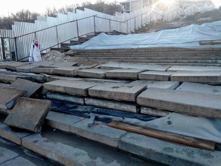 Как уничтожается Потемкинская лестница в Одессе: Шокирующие фото (ФОТО), фото-11