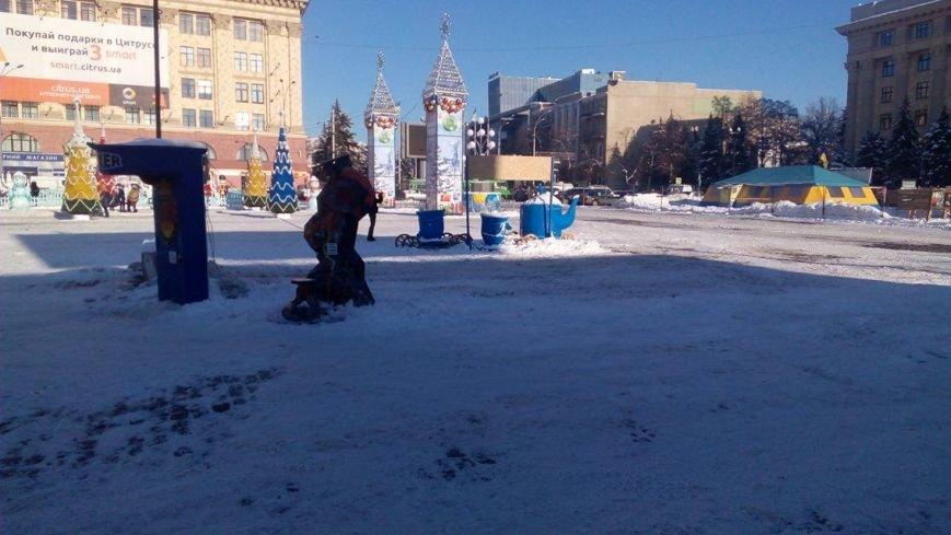 В Харькове начали демонтировать аттракционы на площади Свободы (ФОТО), фото-6