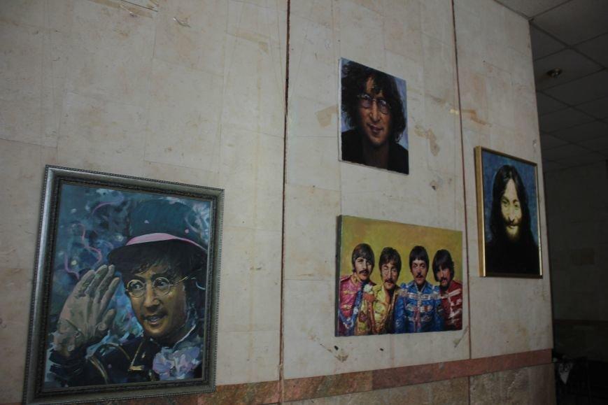 В Запорожье открыли памятник Леннону распятому на гитаре,- ФОТО, ВИДЕО, фото-4
