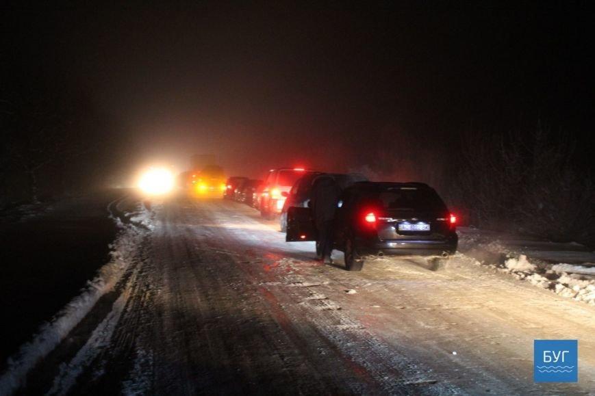 Масове ДТП та величезний затор на волинській дорозі (ФОТО, ВІДЕО), фото-17