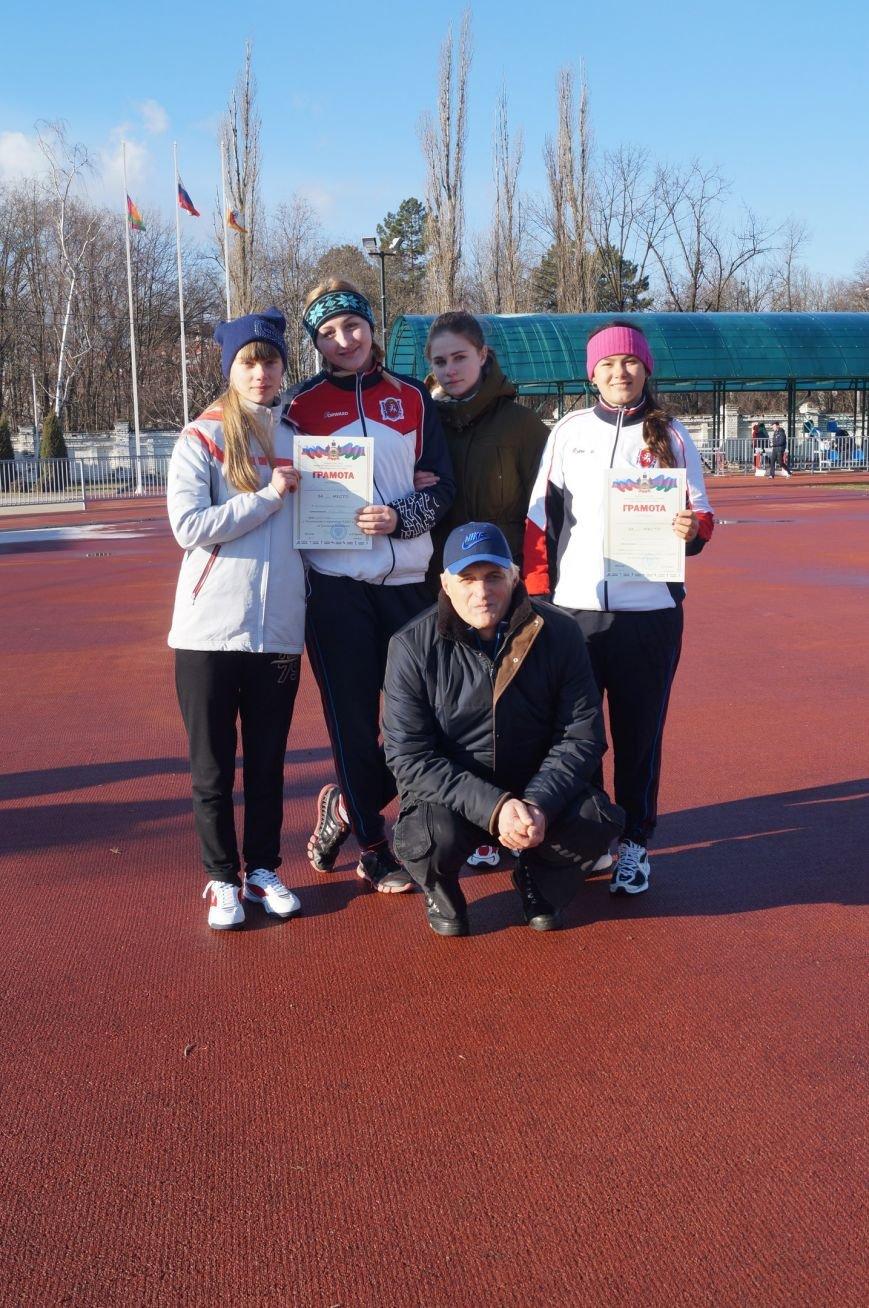 Первый легкоатлетический старт сезона принес ялтинцам  8 медалей, фото-1