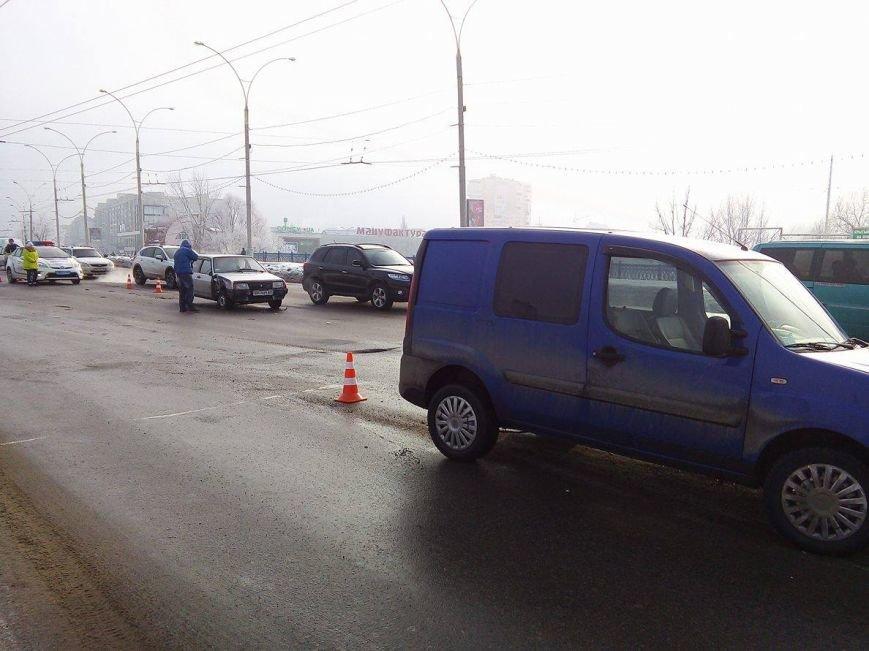 ДТП в Сумах: на Харьковском мосту не разминулись 2 автомобиля (ФОТО), фото-3