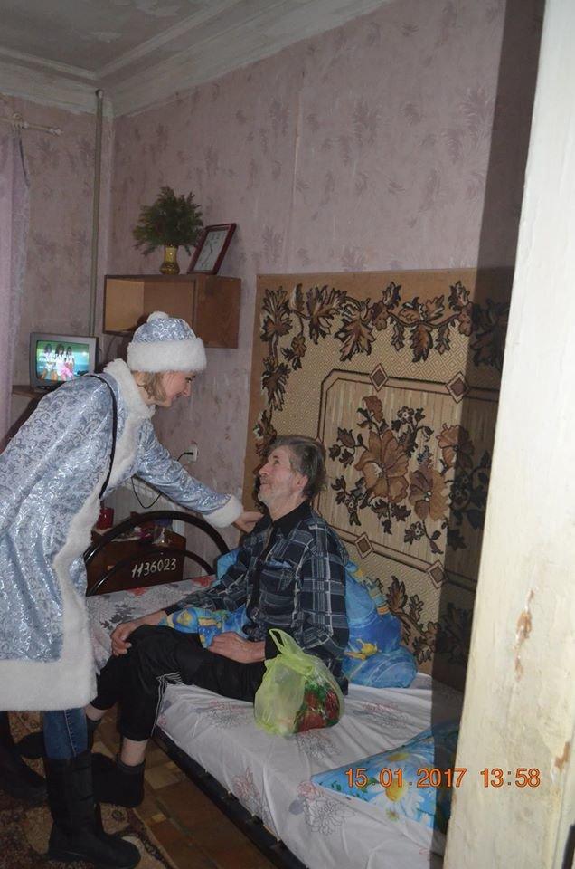 Старость в радость? Почему в мариупольском Доме ветеранов вызывали полицию и препятствовали работе журналистов (ФОТО), фото-9