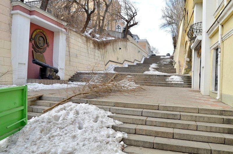 В Одессе заинтересовались развалинами на старейшей лестнице (ФОТО), фото-1