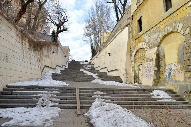 В Одессе заинтересовались развалинами на старейшей лестнице (ФОТО), фото-2
