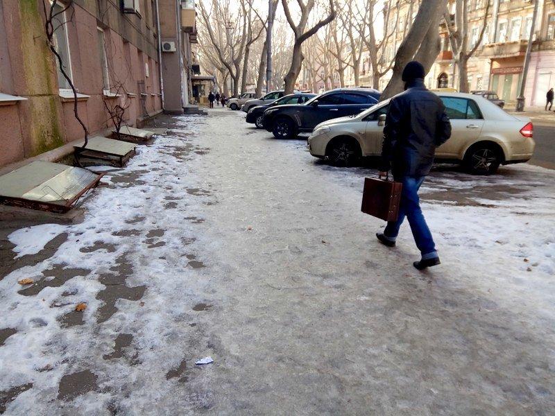 Коммунальщики оставили каток на центральной улице Одессы  (ФОТО), фото-3