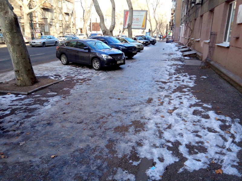 Коммунальщики оставили каток на центральной улице Одессы  (ФОТО), фото-1