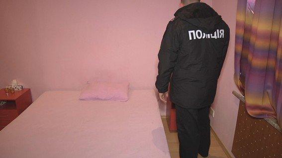 Запорожанка организовала в арендованном доме бордель с извращениями, - ФОТО, фото-3