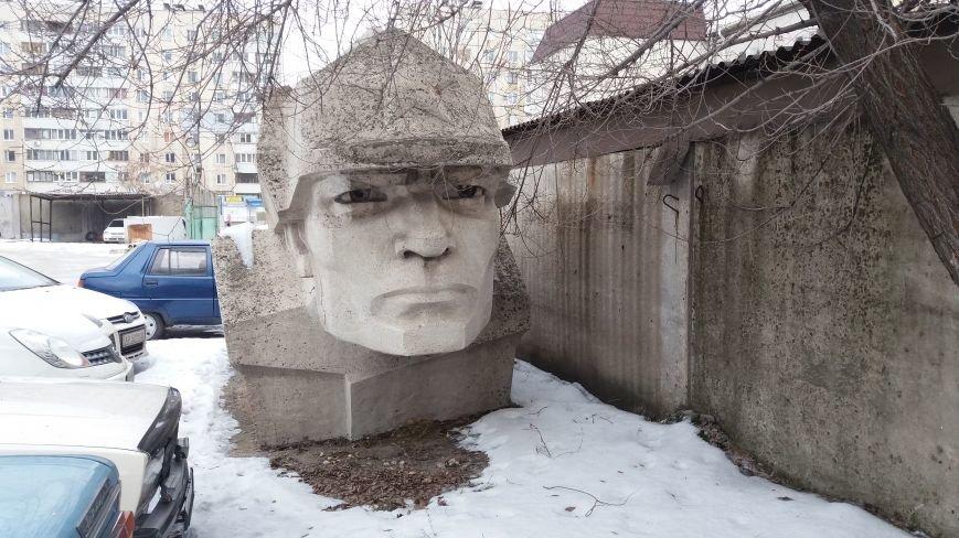 Вожди на зимовке: как поживают демонтированные запорожские памятники, - ФОТО, фото-16