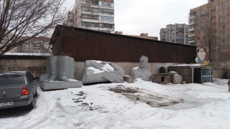 Вожди на зимовке: как поживают демонтированные запорожские памятники, - ФОТО, фото-11