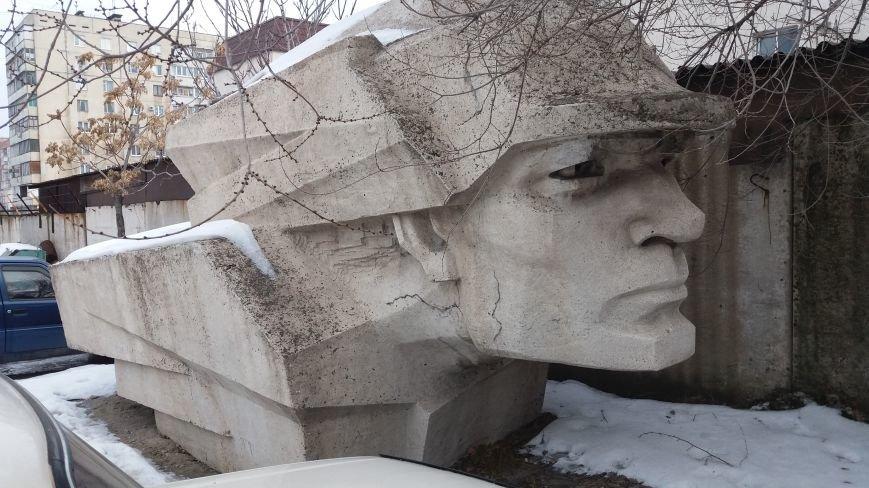 Вожди на зимовке: как поживают демонтированные запорожские памятники, - ФОТО, фото-6