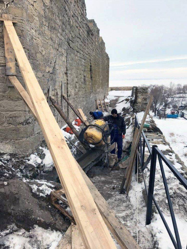 В Белгород-Днестровской крепости чуть не обвалилась башня (ФОТО), фото-5