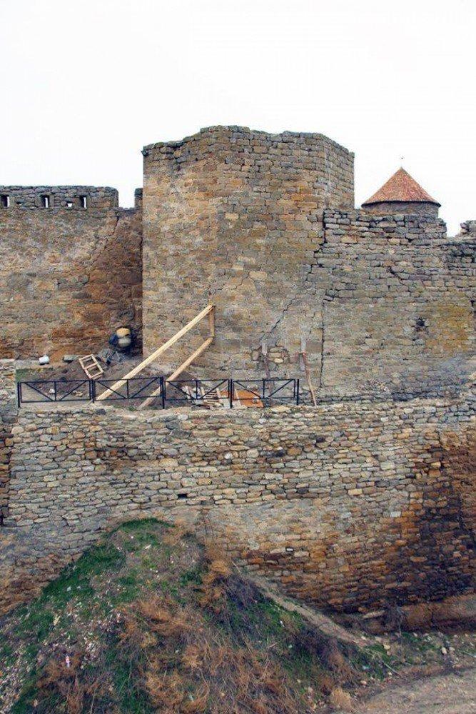 В Белгород-Днестровской крепости чуть не обвалилась башня (ФОТО), фото-2