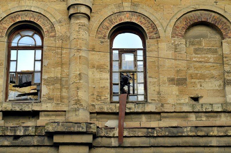 Полная жесть: в Одессе бомж без штанов обокрал Масонский дом (ФОТО), фото-9