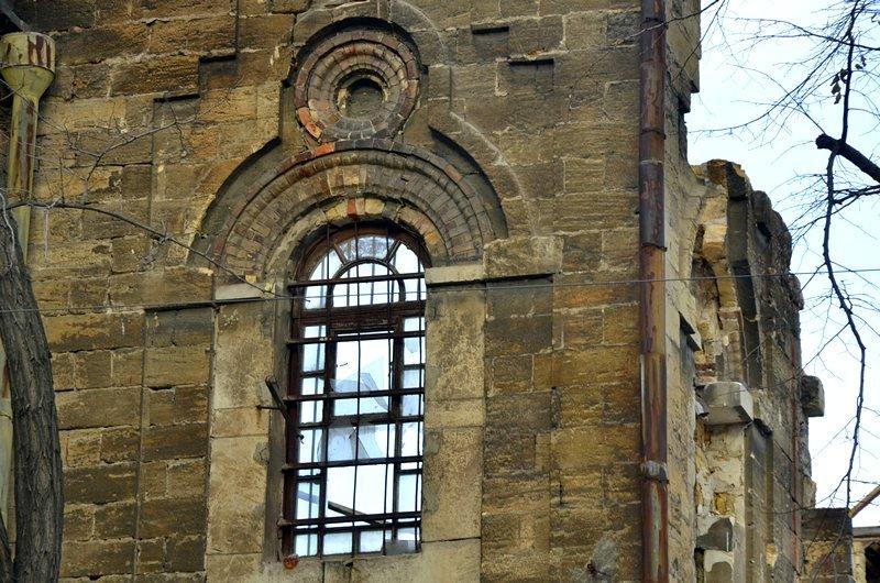 Полная жесть: в Одессе бомж без штанов обокрал Масонский дом (ФОТО), фото-7