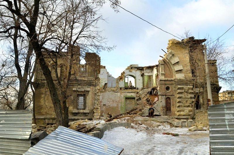 Полная жесть: в Одессе бомж без штанов обокрал Масонский дом (ФОТО), фото-3