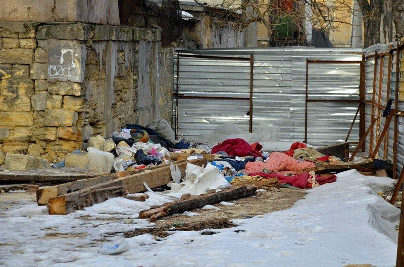 Полная жесть: в Одессе бомж без штанов обокрал Масонский дом (ФОТО), фото-4