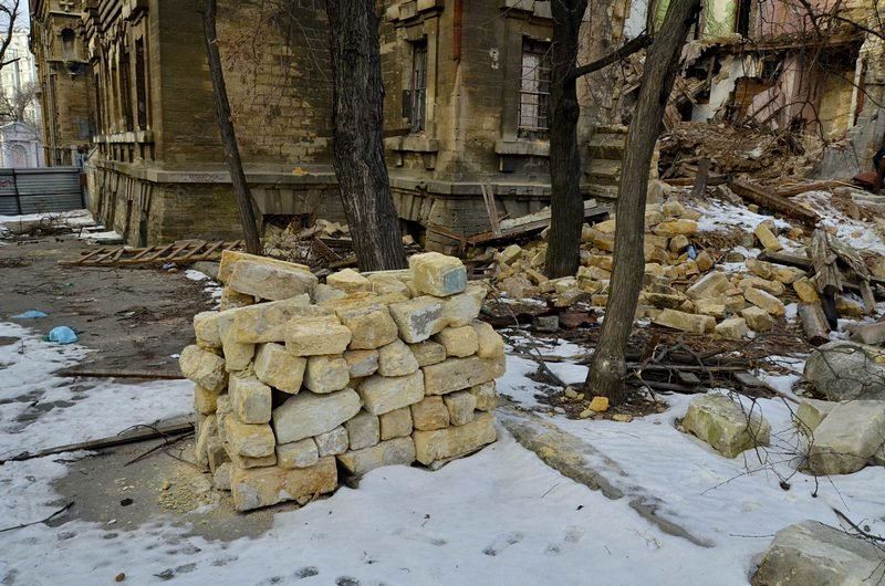 Полная жесть: в Одессе бомж без штанов обокрал Масонский дом (ФОТО), фото-6