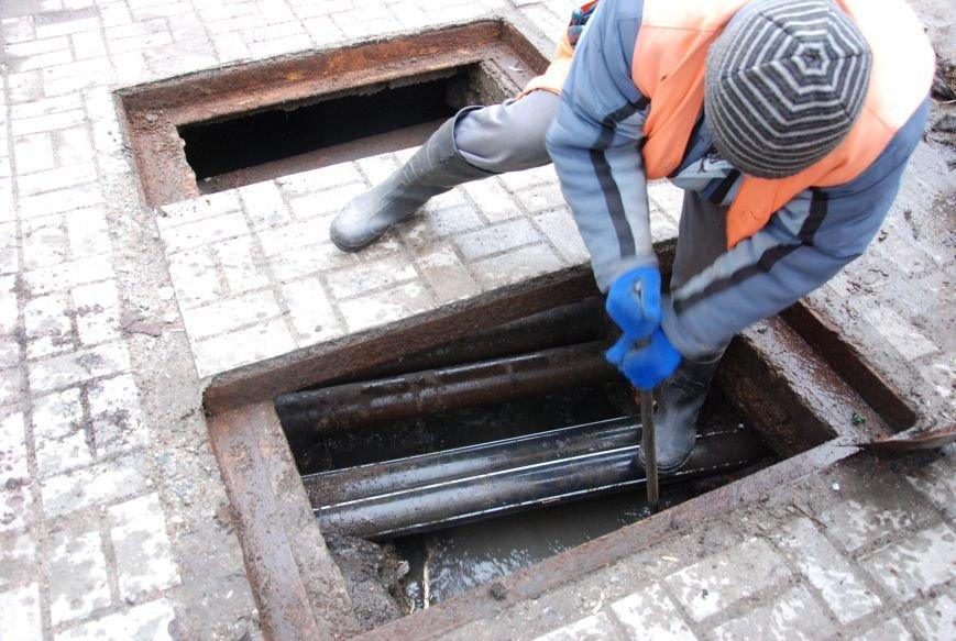 В Бердянске  начали восстанавливать функции ливневой канализации на Азовском проспекте, фото-5