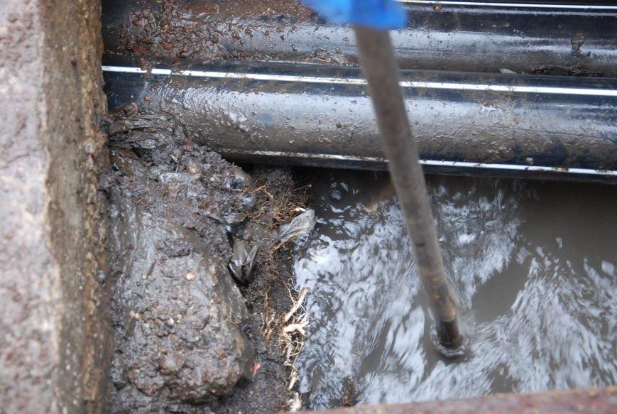В Бердянске  начали восстанавливать функции ливневой канализации на Азовском проспекте, фото-3