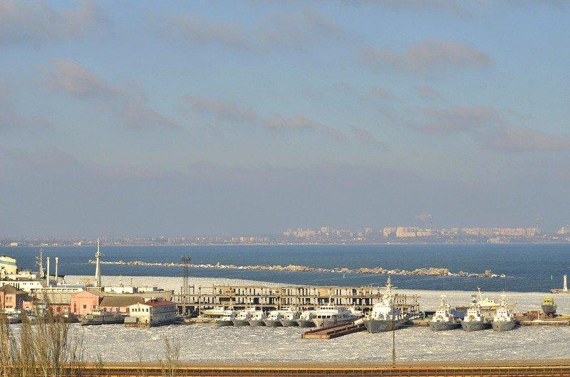 В Одессе льды сковали корабли Военно-морских сил Украины (ФОТО), фото-1