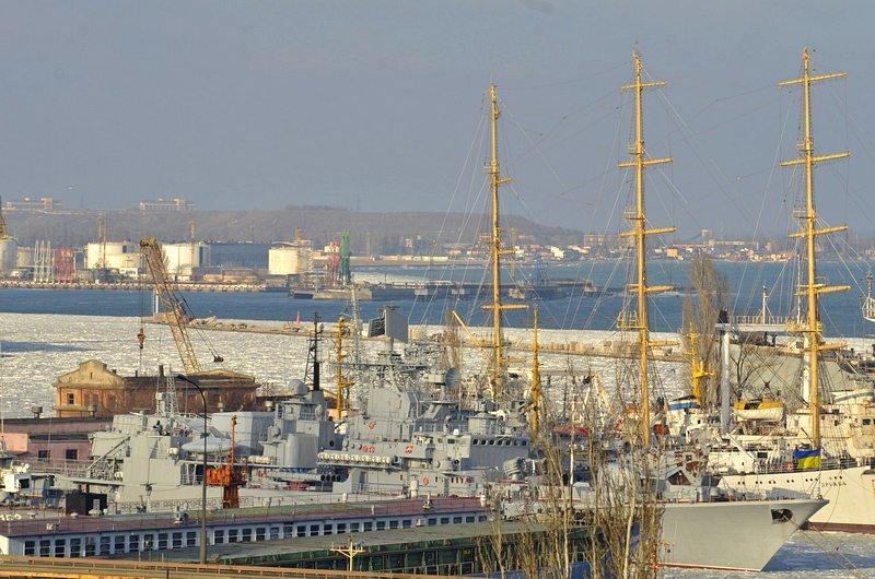 В Одессе льды сковали корабли Военно-морских сил Украины (ФОТО), фото-6
