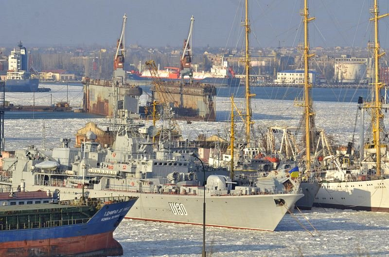 В Одессе льды сковали корабли Военно-морских сил Украины (ФОТО), фото-9
