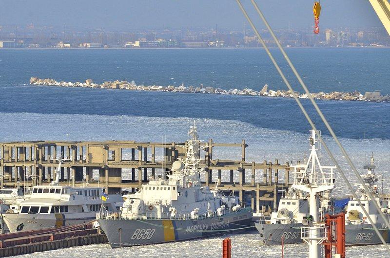 В Одессе льды сковали корабли Военно-морских сил Украины (ФОТО), фото-10
