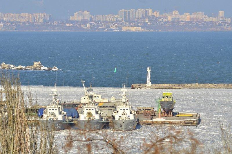 В Одессе льды сковали корабли Военно-морских сил Украины (ФОТО), фото-3