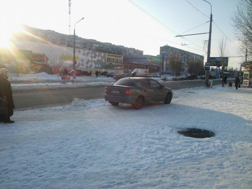 Северодонецкие водители паркуются прямо на тротуарах (фото-факт), фото-1