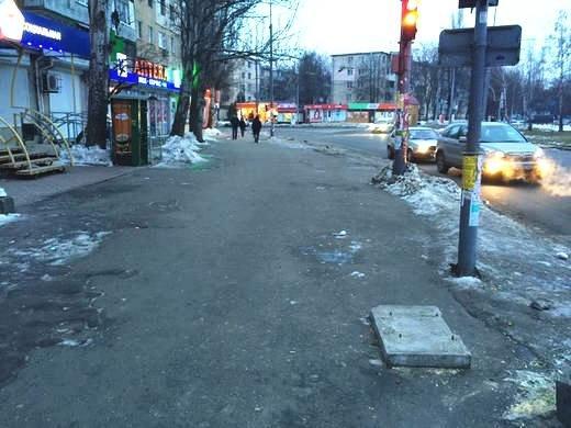 В Одессе площадь Деревянко зачистили от торговцев: там будут велопарковки и скамейки (ФОТО), фото-1