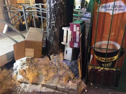 В Одессе площадь Деревянко зачистили от торговцев: там будут велопарковки и скамейки (ФОТО), фото-3