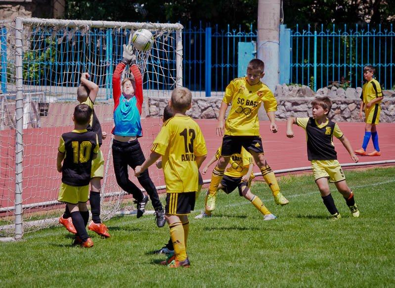 Ялтинские команды лидируют в крупнейшем детском футбольном турнире Южнобережья, фото-1