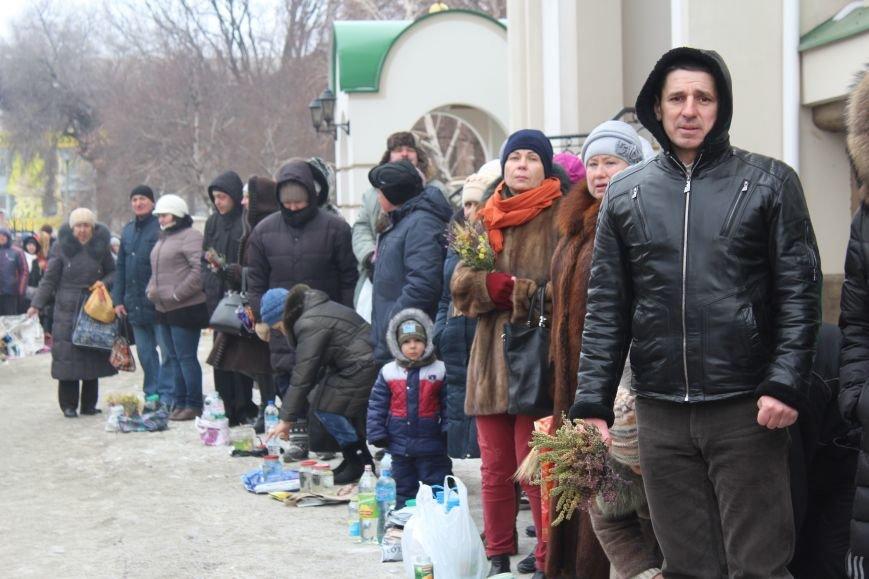 В запорожских церквях массово святят воду, - ФОТОРЕПОРТАЖ, фото-11