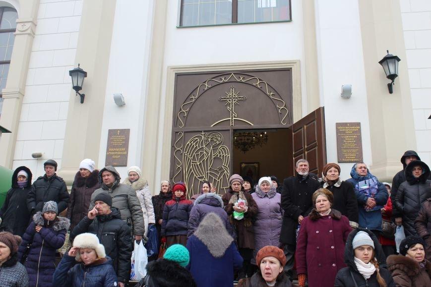 В запорожских церквях массово святят воду, - ФОТОРЕПОРТАЖ, фото-4