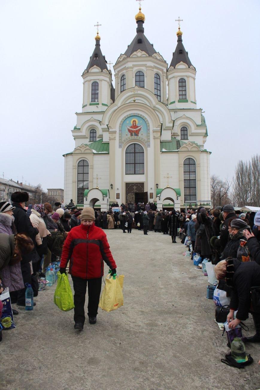 В запорожских церквях массово святят воду, - ФОТОРЕПОРТАЖ, фото-13