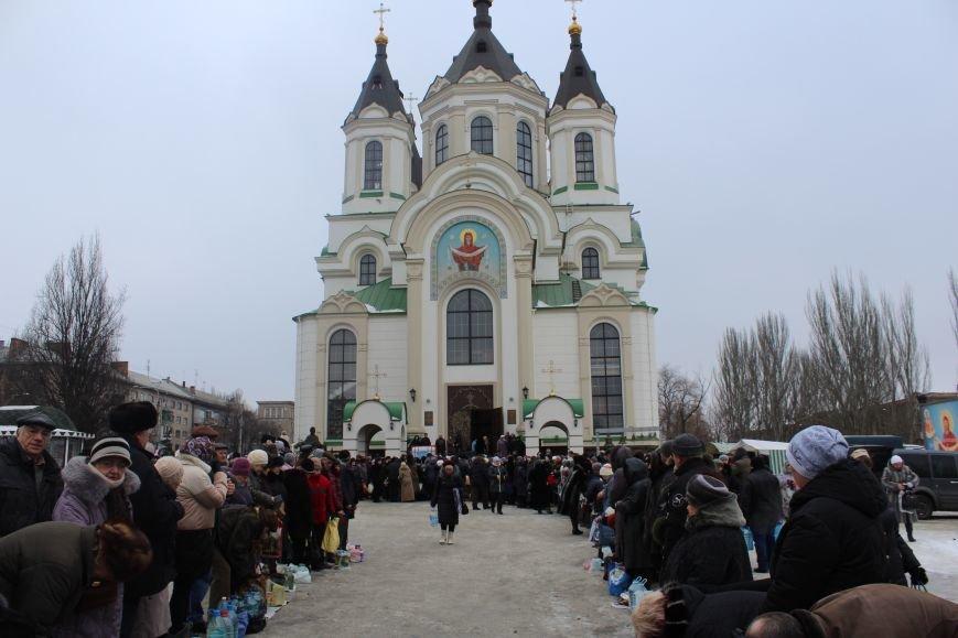 В запорожских церквях массово святят воду, - ФОТОРЕПОРТАЖ, фото-5