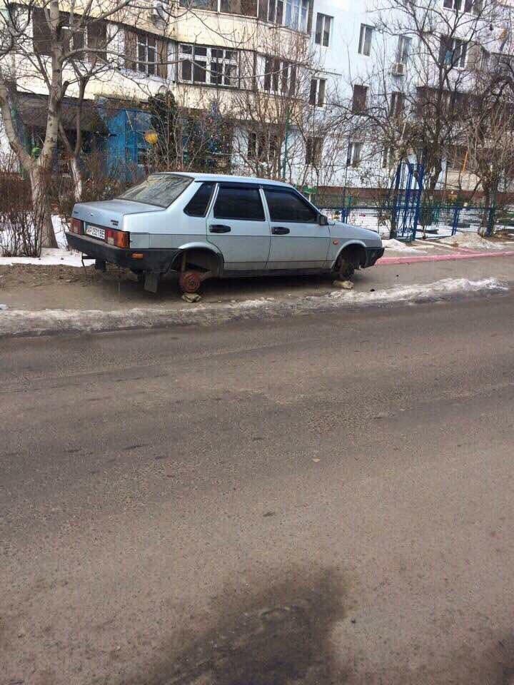 Эпидемия: В Одессе на Котовского массово обворовали машины (ФОТО), фото-2