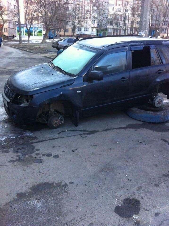 Эпидемия: В Одессе на Котовского массово обворовали машины (ФОТО), фото-4