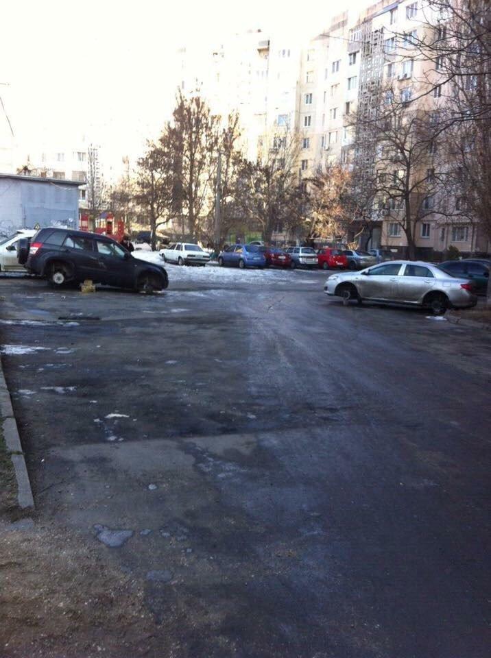 Эпидемия: В Одессе на Котовского массово обворовали машины (ФОТО), фото-3