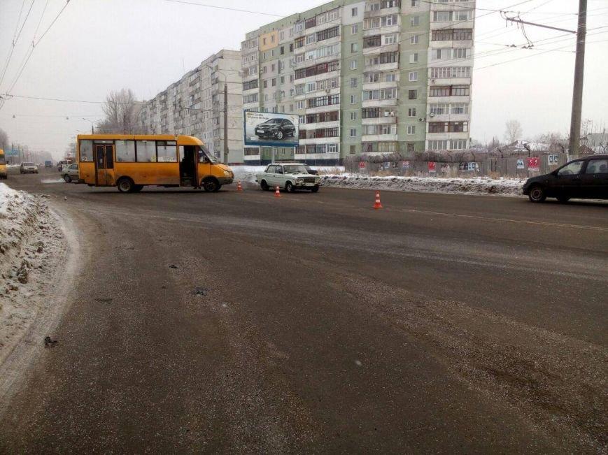 В Сумах столкнулись маршрутка и иномарка (ФОТО), фото-2